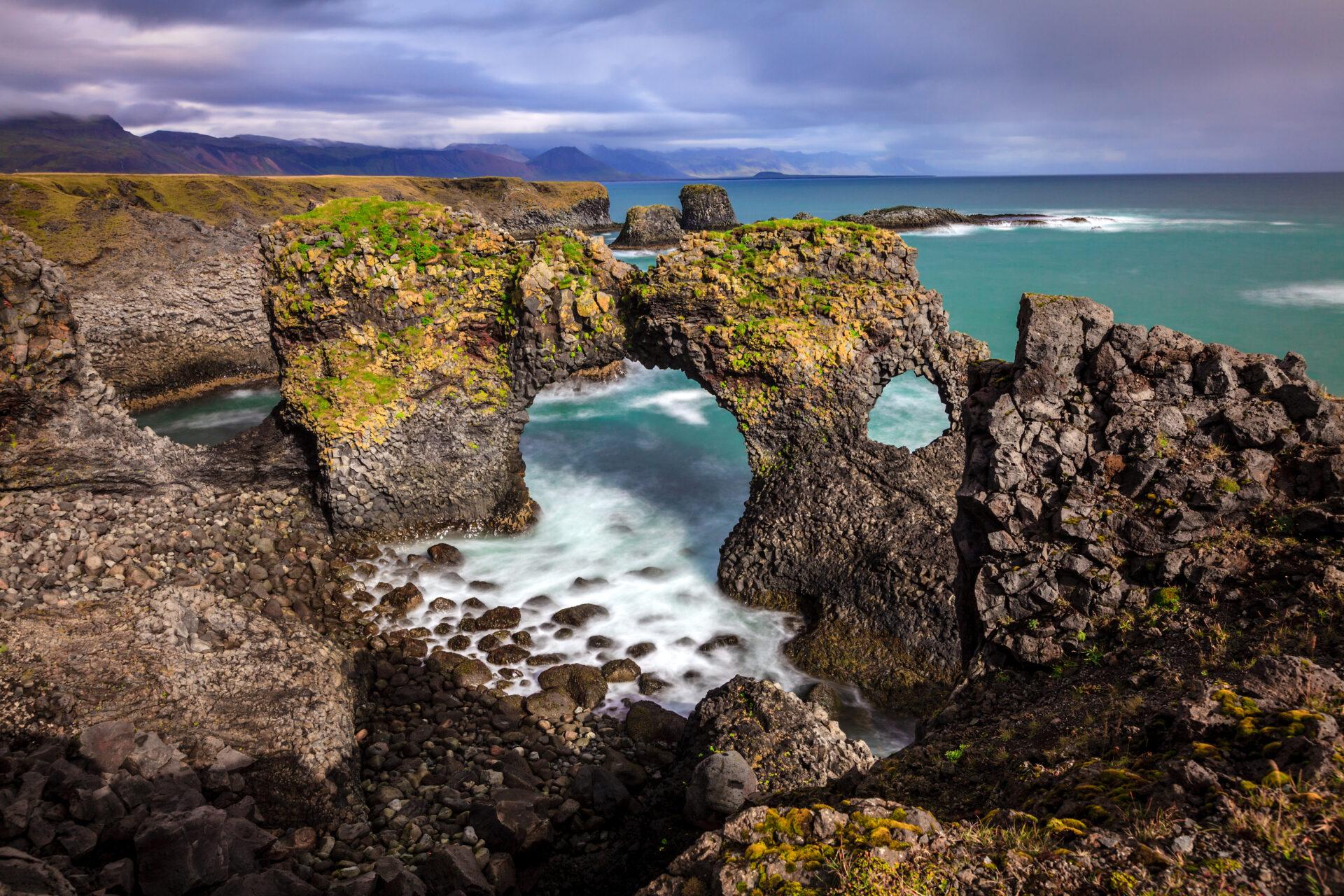 Lóndrangar, West-IJsland