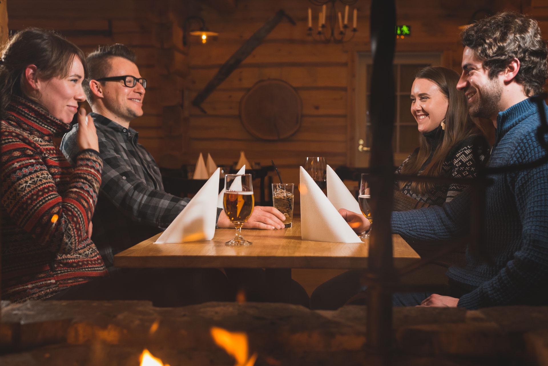 Restaurant Arctic Circle Wilderness Lodge